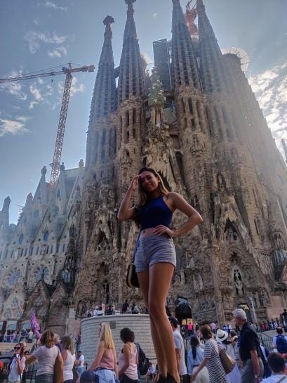 La Sagrada Familia and construction work in the background